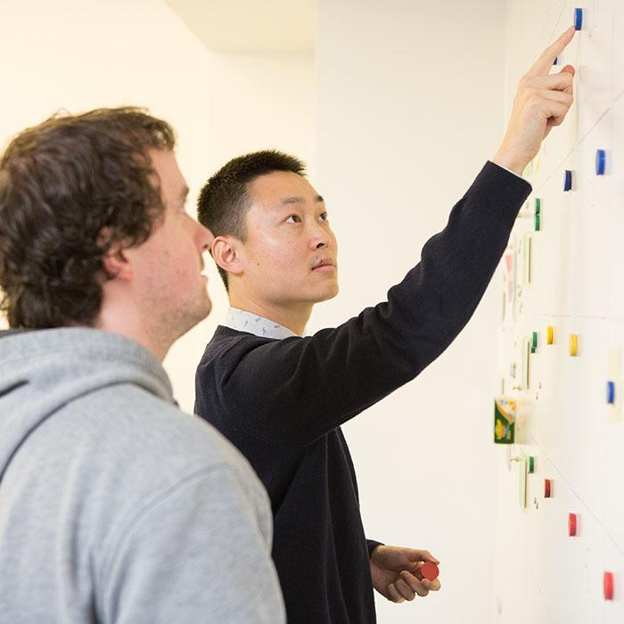 Smart-Magnetische-Farbe-im-Meeting