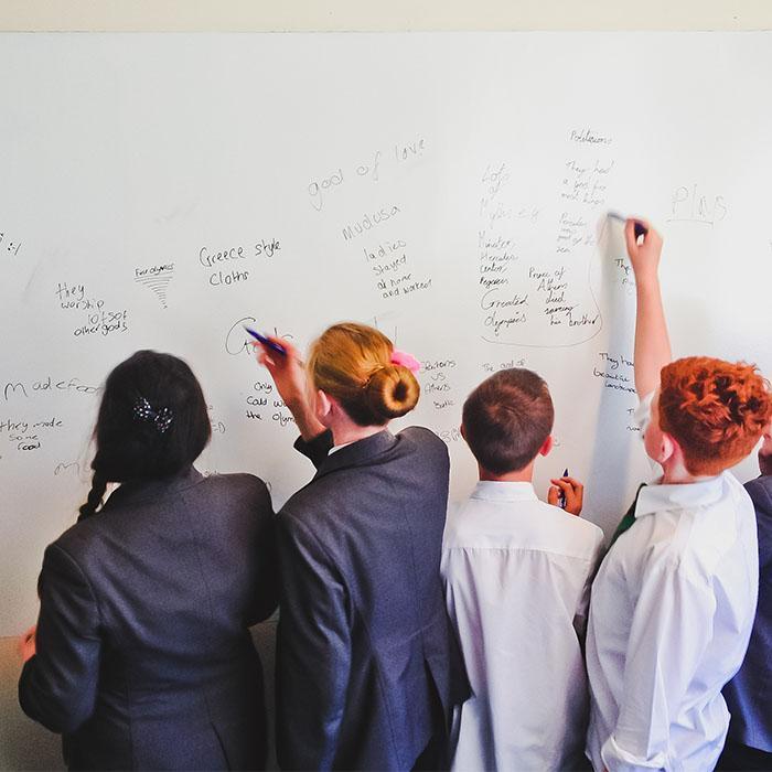 Smart Whiteboard Farbe Weiß in der Schule