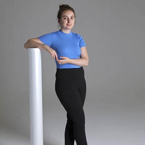 Smart Magnetische Whiteboard Beamer Tapete Frau mit Rolle zeigt Größe